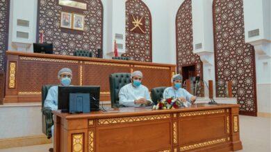Photo of رئيس محكمة استئناف مسقط يلتقي عددًا من أعضاء جمعية المحامين العمانية..