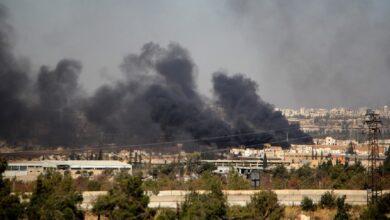 Photo of مقتل 35 على الأقل في ضربات جوية لمعسكر للمعارضة السورية..