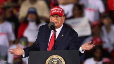 صورة ترامب يتعهّد بمواصلة المعارك .. والجمهوريون يستعدون لجمع مبلغ ضخم لتمويل طعونه الإنتخابية..