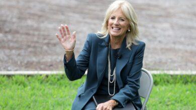 صورة ماذا تعرف عن المدرّسة التي ستكون سيدة الولايات المتحدة الأولى ؟..
