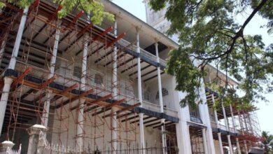 صورة وزارة التراث والسياحة : لا صحة لما يتم تداوله من معلومات حول الإنهيار الجزئي لبيت العجائب في زنجبار..