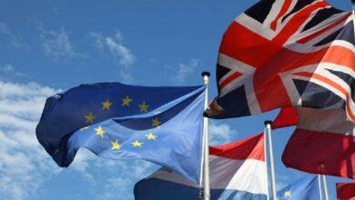 """صورة جَنَّبَ التكتل """"نهايةً فوضوية"""" .. بريطانيا تتوصل أخيراً إلى اتفاق مع الاتحاد الأوروبي لما بعد البريكست بشأن مياه الصيد.."""