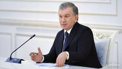 صورة رئيس أوزبكستان قدم توجيهاته لاستئناف الرحلات الجوية مع عدد من البلدان و دعا إلى تقليل أسعار تذاكر الطيران..
