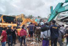 صورة ارتفاع حصيلة ضحايا زلزال اندونيسيا إلى 62 شخصًا..